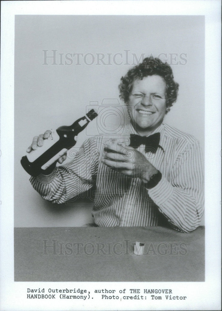 1981 Press Photo David Outerbridge Author Of The Hangover Handbook - Historic Images