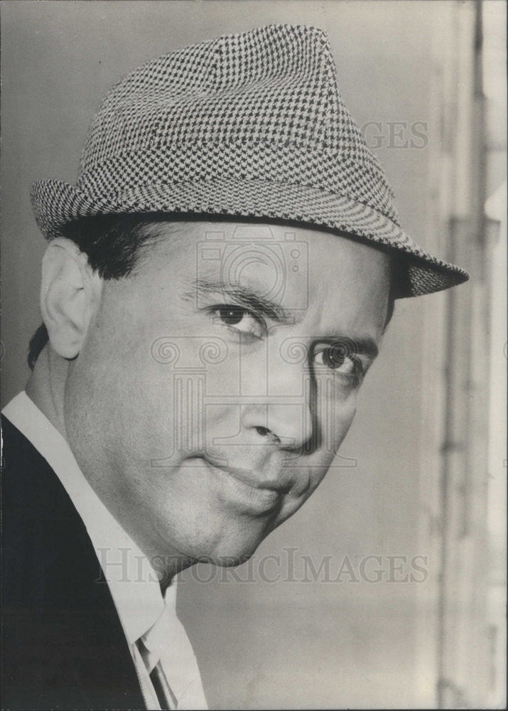 1966 Press Photo Entertainer Carlos Ortero - Historic Images