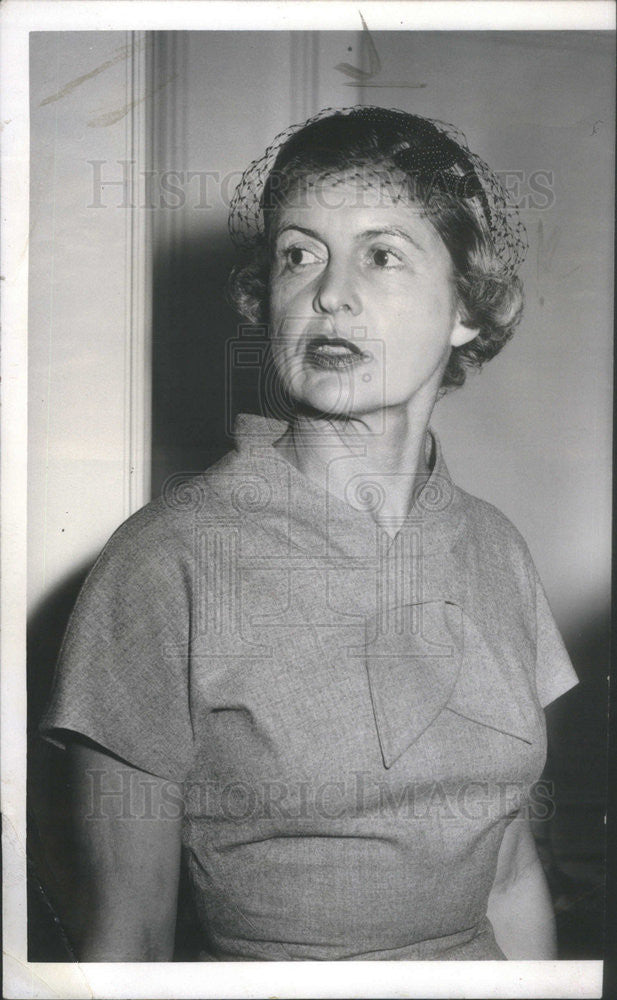 1954 Press Photo Mrs. Kimball Salisbury - Historic Images
