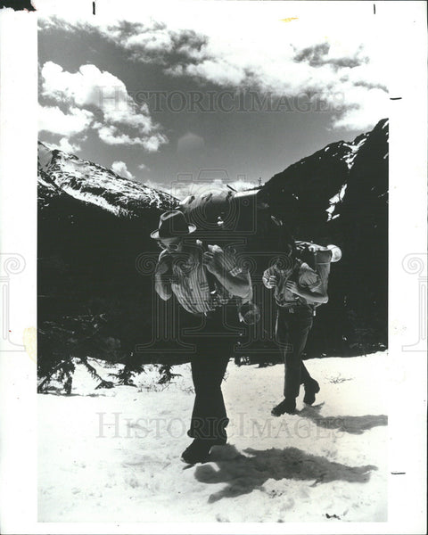 1977 Press Photo National Geographic Special Depicting Explorers Of The Yukon - Historic Images