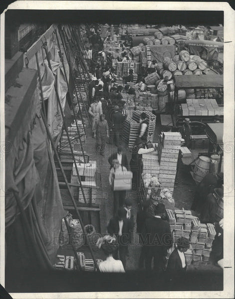 1913 Press Photo Scene South Water Street Market Tomatoes Potatoes - Historic Images