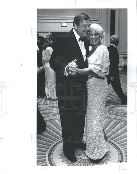 1990 Press Photo Rep Dan Rostenkowski and Wife LaVerne - Historic Images