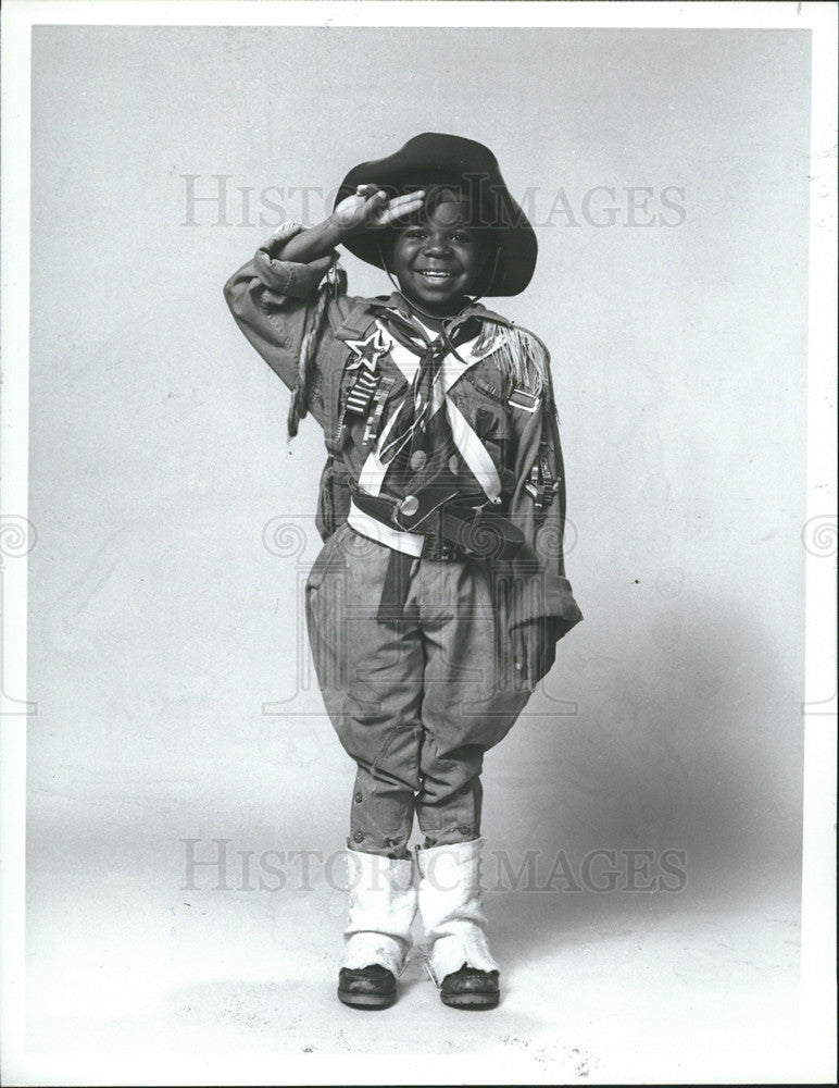 1982 Press Photo Scout's Honor Gary Coleman - Historic Images