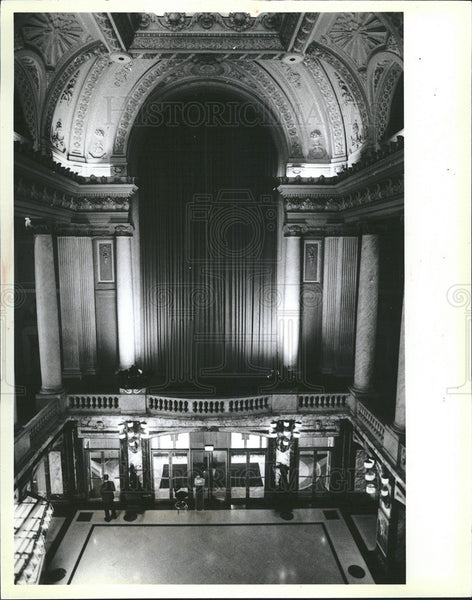 1984 Press Photo Chicago Theatre Lobby Ornate Interior Architecture And Design - Historic Images