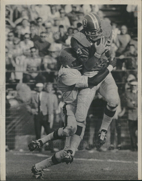 1968 Press Photo Denver Broncos, Mike Haffner, catches ball for a first down - Historic Images