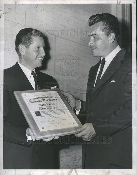 1952 Press Photo Julius Boros receives Golfer of the Year from Horton Smith PGA - Historic Images