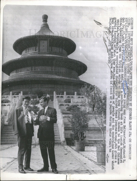1962 Press Photo Two Young Men From Switzerland Spend Month In Communist China - Historic Images
