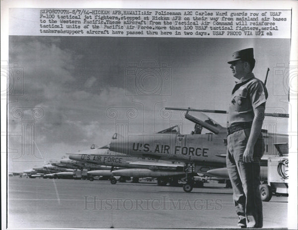 1964 Press Photo U.S. Air Force F-100 Tactical Jet Fighter Planes & Carles Ward - Historic Images