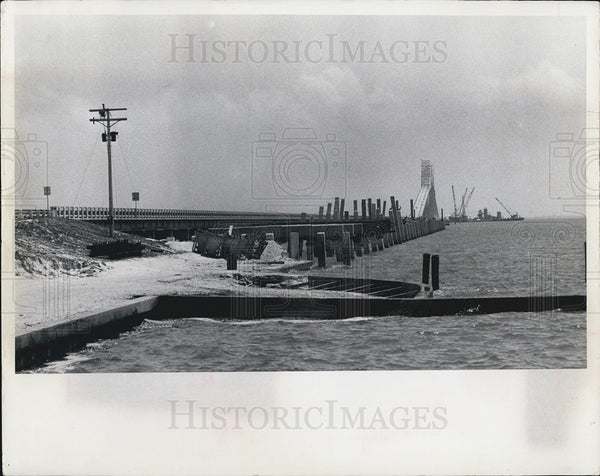 1967 Press Photo Construction of 4 lane highway - Historic Images