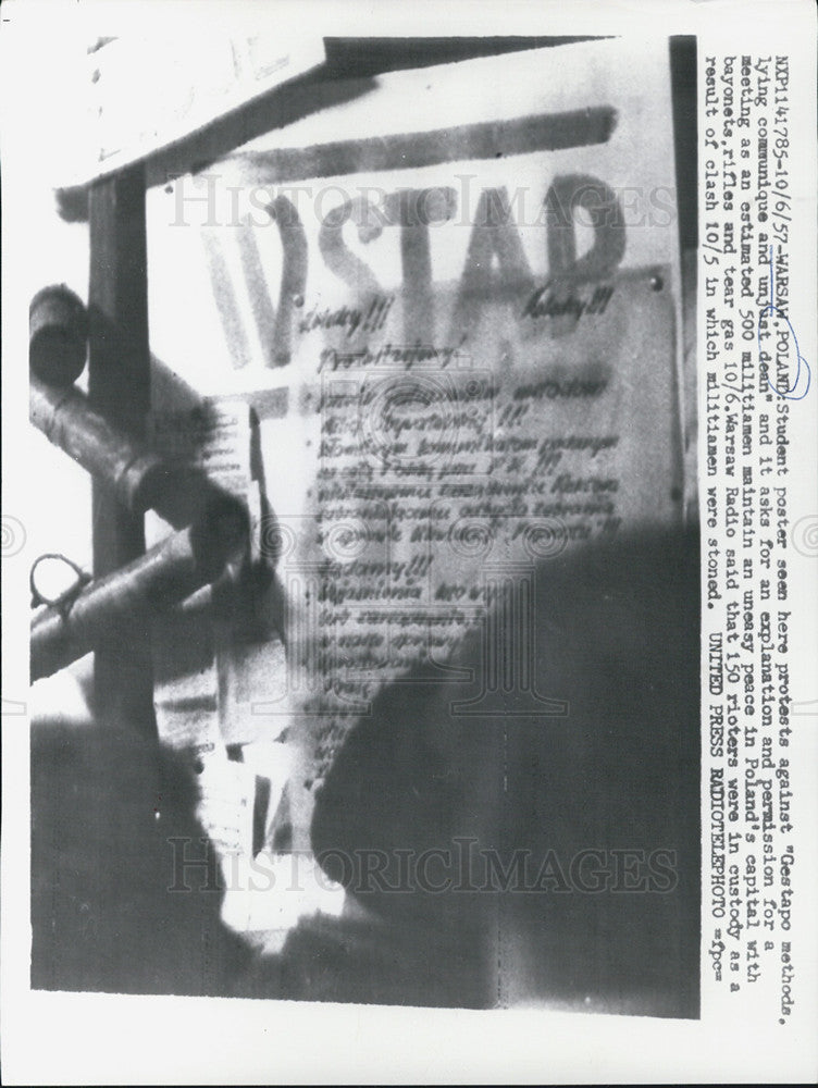 1957 Press Photo Student Poster Protest Against Gestapo Method - Historic Images