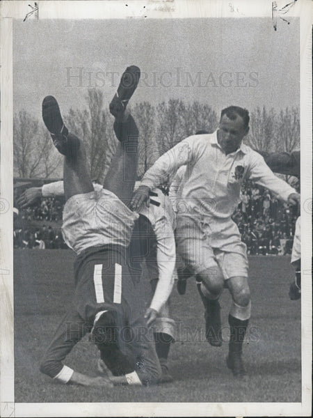 1948 Press Photo French Rugby Team Beat  British Team International Rugby Chmpn - Historic Images