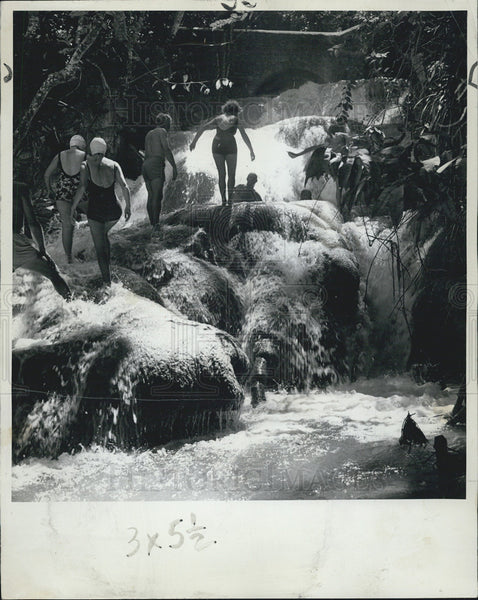 1964 Press Photo Dunns River Falls Jamaica - Historic Images