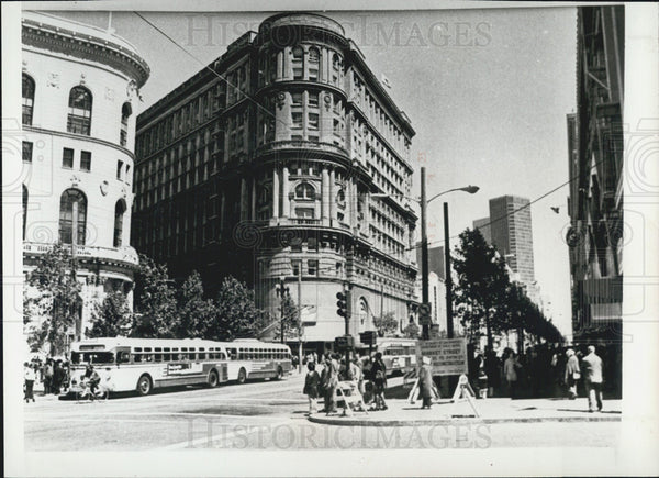 1981 Press Photo Flood Builiding on San Francisco's Market Street, California - Historic Images