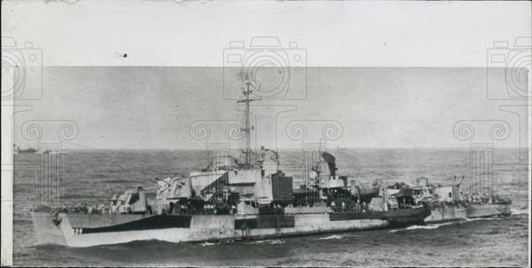 "1950 Press Photo American Destroyer ""The Mansfield"" Hit by A Mine off N Korea - Historic Images"