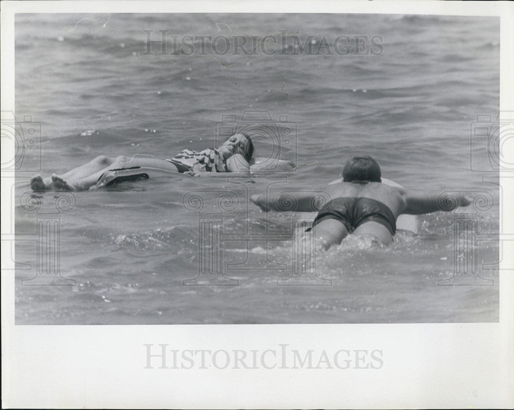 1967 Press Photo Beach Lifeguards - Historic Images