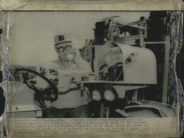 1971 Press Photo telephone mailbox tractor Roy Powell Pennsylvania - Historic Images