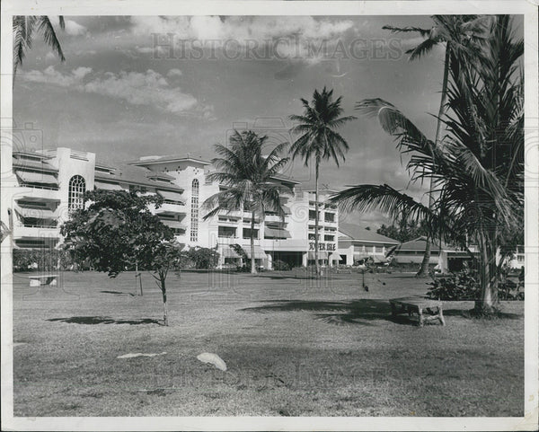 1954 Press Photo of the Tower Isle Hotel in Ocho Rio, Jamaica - Historic Images
