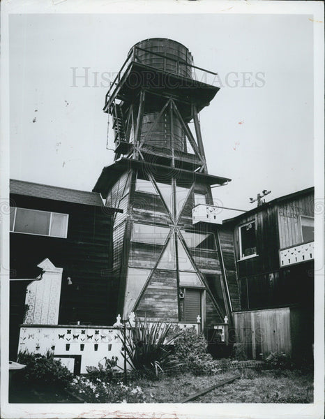 1971 Press Photo Ancient Water Towers in Mendocino, California - Historic Images