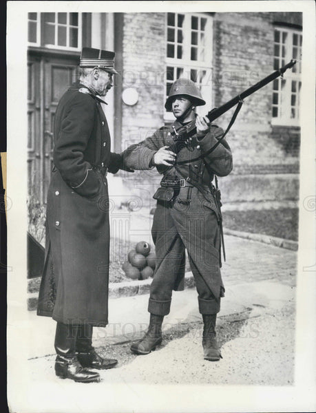 1937 Press Photo Danish King Christian Soldier Cadet Kronborg Castle Copenhagen - Historic Images