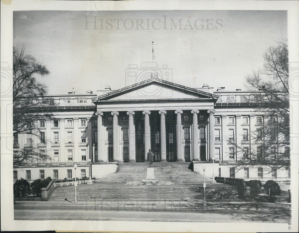 1949 Press Photo South front of the U.S. Treasury Building in Washington D.C. - Historic Images