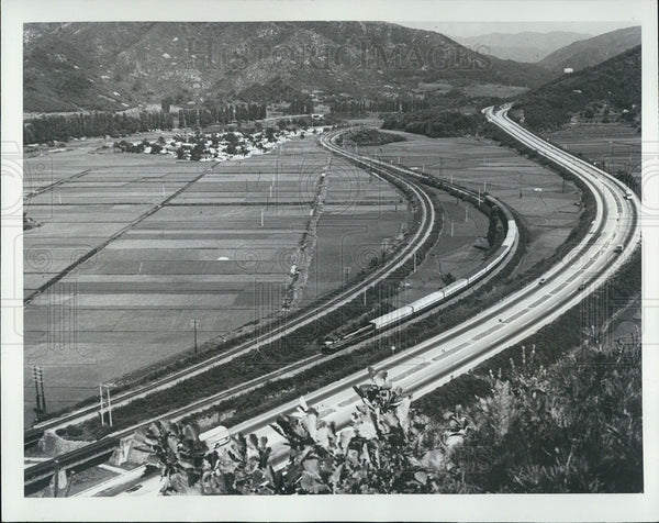 1982 Press Photo Aerial view of the railway system in Korea - Historic Images