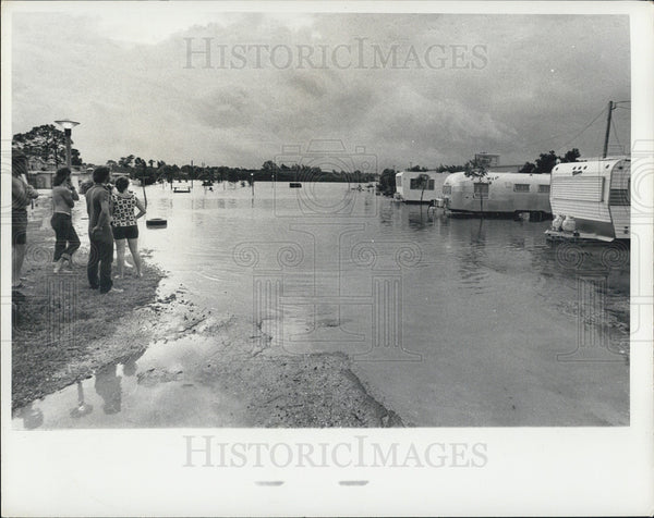 1972 Press Photo Flooding From Hurricane Agnes - Historic Images