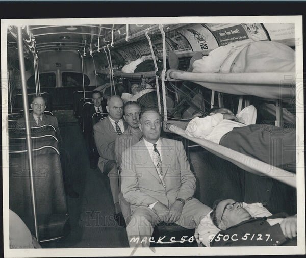 1950 Press Photo NY Equips 500 Buses For Ambulance Transformation During Crisis - Historic Images