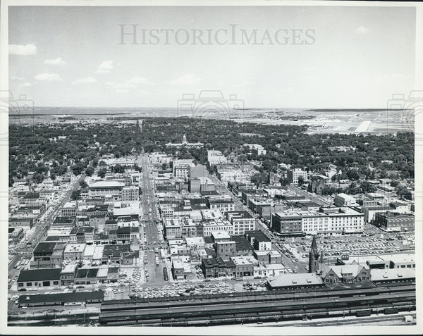 1965 Press Photo Aerial view of Cheyenne w/ Union Pacific Railroad station - Historic Images