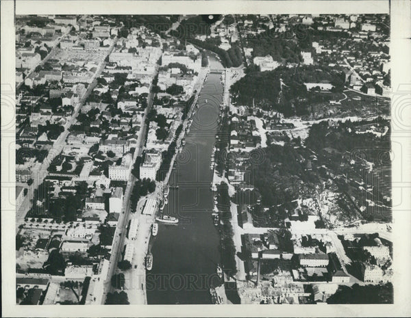 1940 Press Photo Aerial view of the historic port at southern Finland - Historic Images