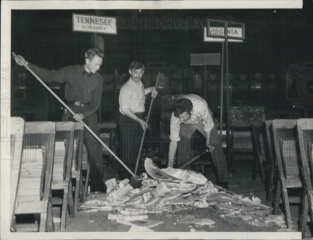 1940 Press Photo Cleaning Up After The Republican National Convention