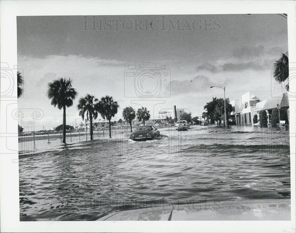 1982 Press Photo Street Flooding St. Petersburg Florida - Historic Images