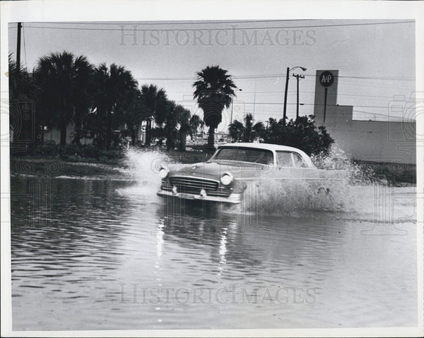 1965 Press Photo St. Petersburg Florida/Flooding - Historic Images