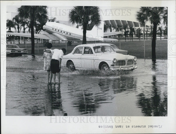 1968 Press Photo Roads Flooded/St. Petersburg Florida - Historic Images