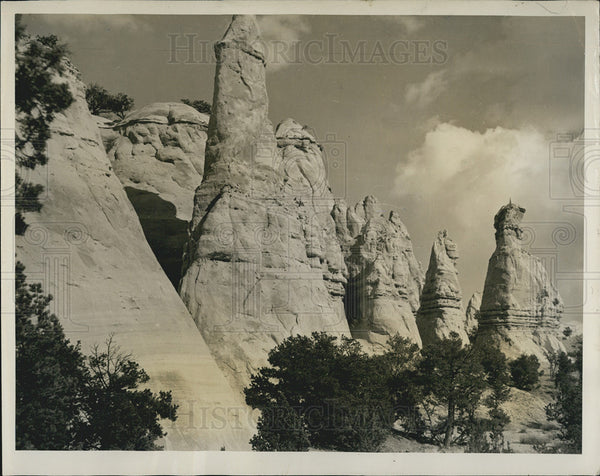 1948 Press Photo Sandstone formations near Gallup New Mexico - Historic Images