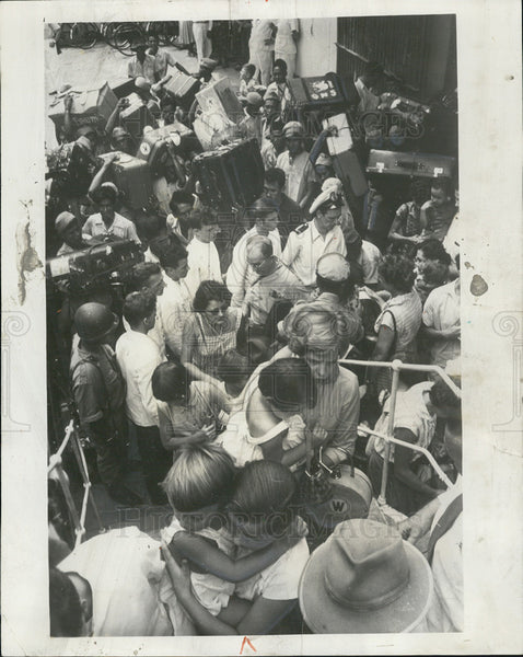 1958 Press Photo Dutch Refugees, Captain Cook, Jakarta - Historic Images