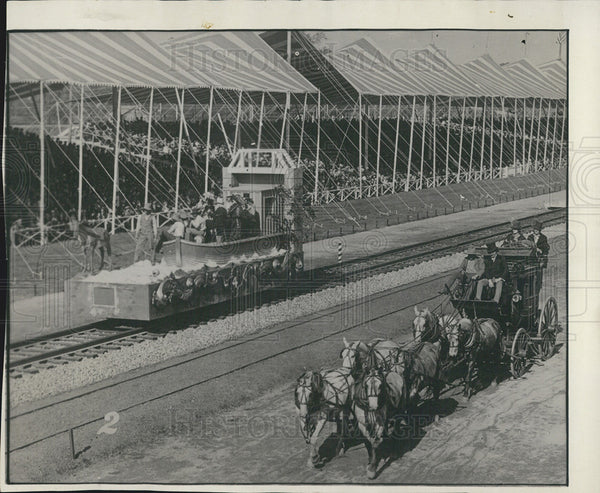 1927 Press Photo Boat Stagecoach Baltimore Ohio Railroad Pageant - Historic Images