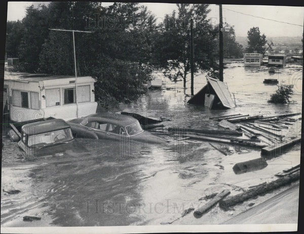 1965 Press Photo South Platte River Floods Denver, CO - Historic Images