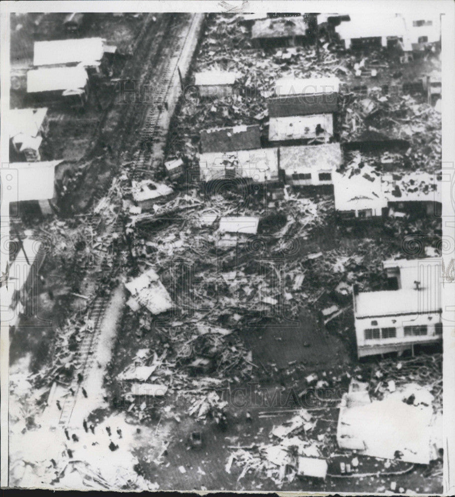 a look at the famous chilean earthquake of 1960 Chile earthquake: us and international response congressional research service 1 1 in 1960, southern chile was struck by a magnitude 95 earthquake.