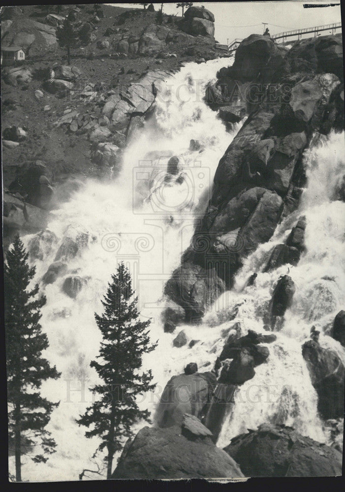 1921 Press Photo Nature Waterfalls, Mountain - Historic Images