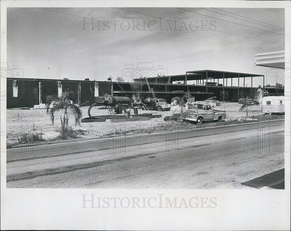 1928 Press Photo Construction of Montgomery Ward Department store< Clearwatwer. - Historic Images