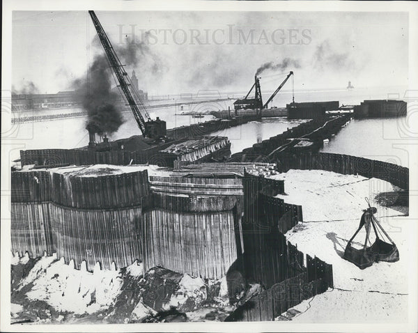1937 Press Photo Coffer Dam Constructed At Locks Of The Chicago River - Historic Images