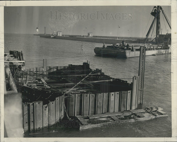 1938 Press Photo Uncompleted Bulkhead Intended To Shut Off Chicago River Mouth - Historic Images