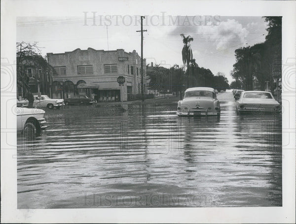 1963 Press Photo Flooded streets in St. Petersburg, Fl - Historic Images