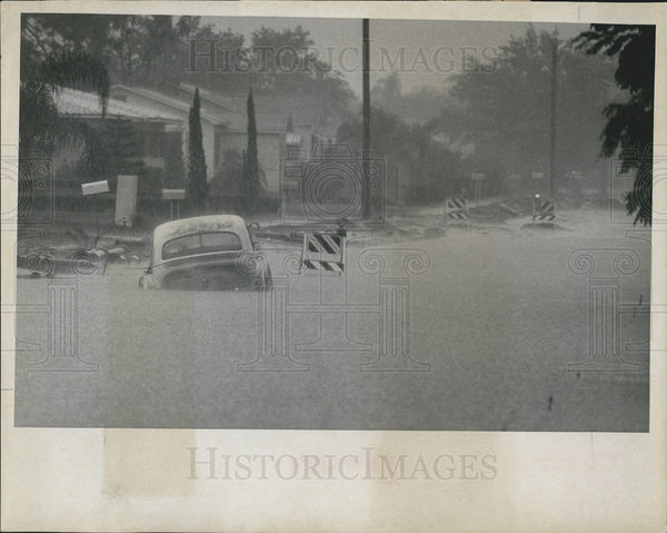 1967 Press Photo Flooded streets of St. Petersburg, Florida - Historic Images