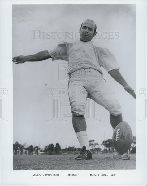 Press Photo Miami Dolphin kicker Garo Yepremian - Historic Images