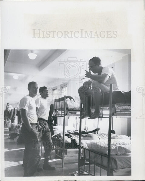 1957 Press Photo Construction Workers Marquis Griffin Paul Cleveland Frank Torre - Historic Images