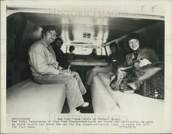 1974 Press Photo Passengers in Star Trek transportation van - Historic Images