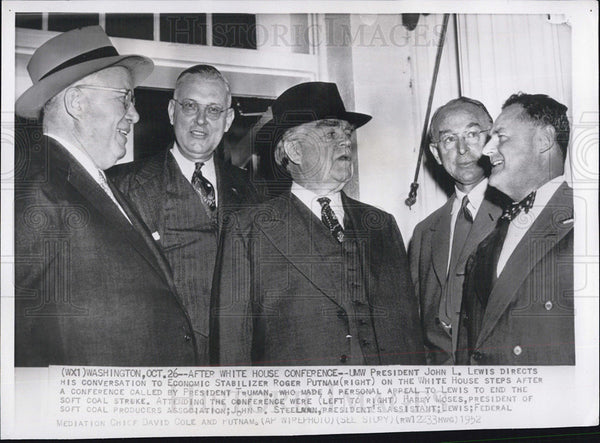 1952 Press Photo John L. Lewis, directs his conversation to other labor unions. - Historic Images