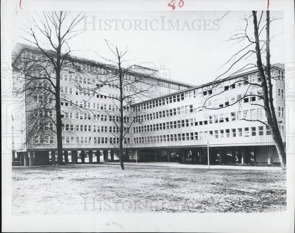 1952 Press Photo New building to house U.S. largest embassy in Bonn Germany - Historic Images