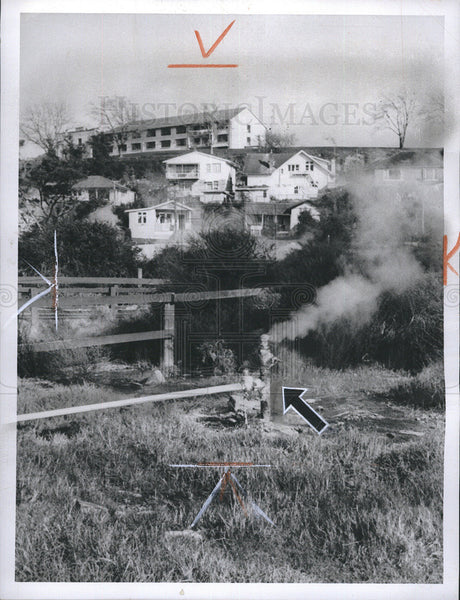 1966 Press Photo Pipe Releasing Geothermal Steam Rotorus New Zealand - Historic Images